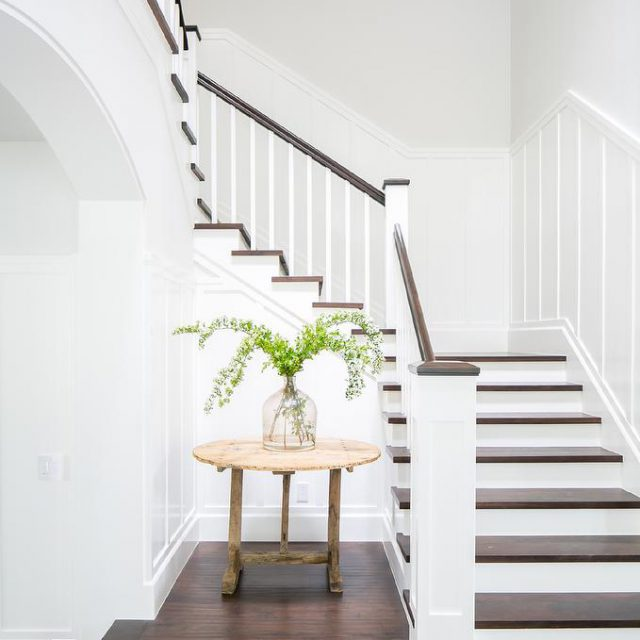 https://hardwoodyourhome.com/wp-content/uploads/2020/03/stairs-and-railings-640x640.jpg